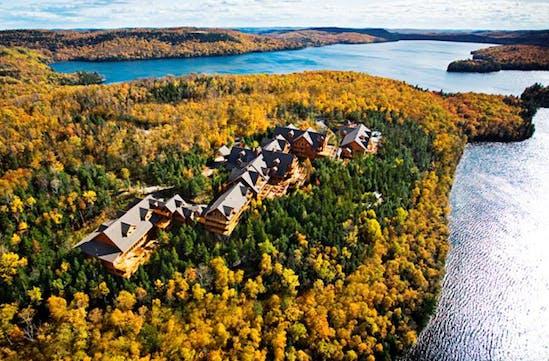 Hotel Sacacomie Canada   Luxury nature hotel