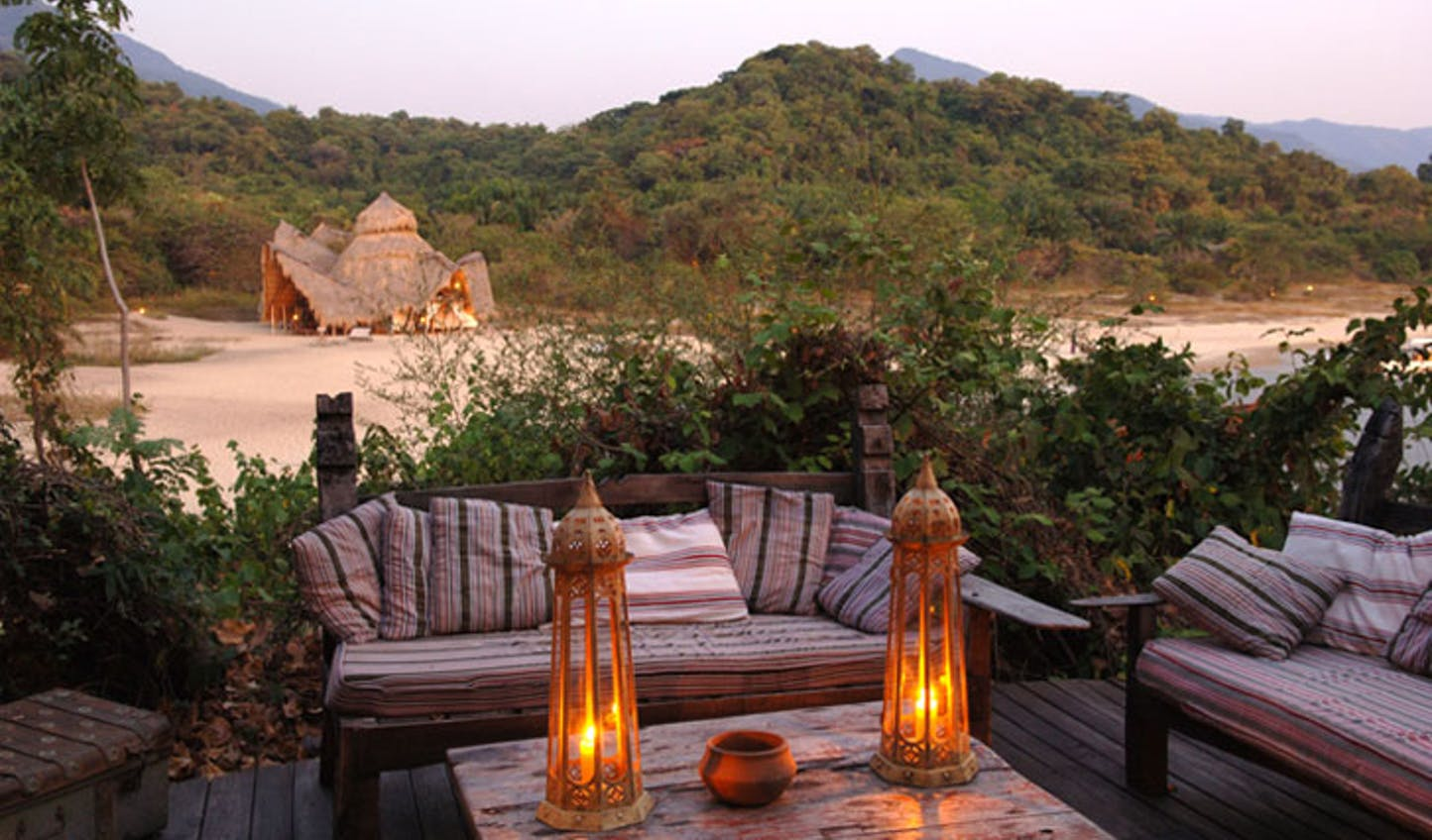 A Seregneti luxury safari and Zanzibar beach holiday