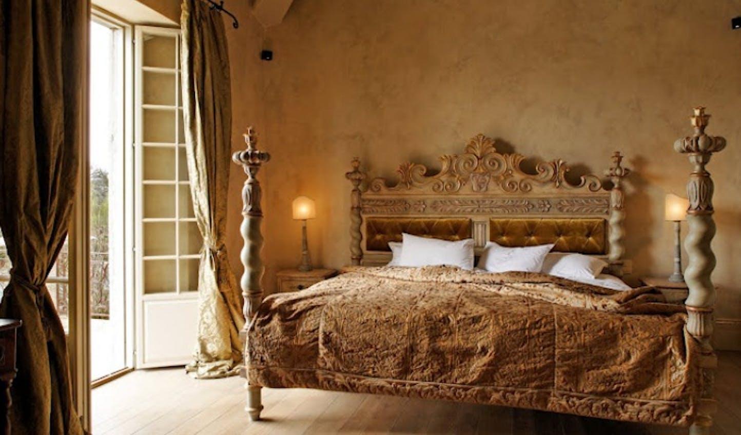 Classic Italian style adorns each room at Borgo Santo Pietro