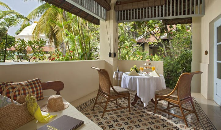 Eat your brekkie in the privacy of your own villa