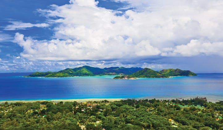 luxury seychelles hotel | Raffles | Black Tomato