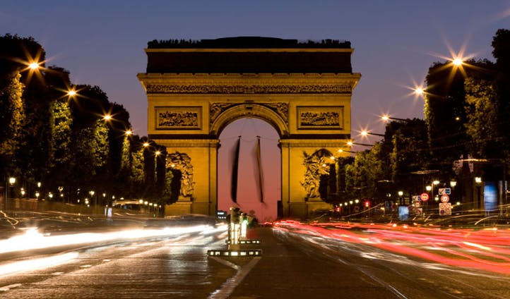 Arc du Triomphe | Paris to Reunion | Black Tomato