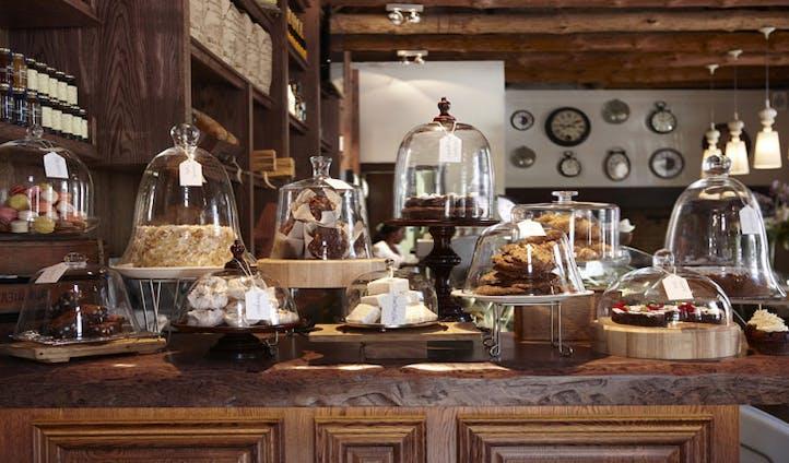 Cake Galore, Alphen Hotel | Black Tomato