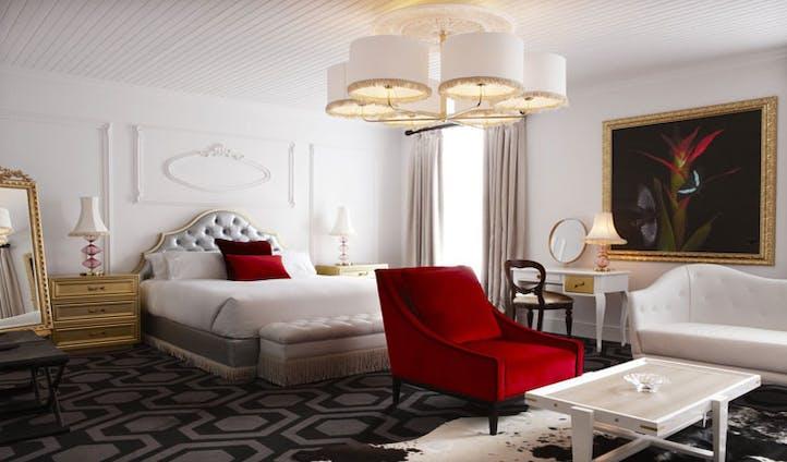 Master Bedroom, Alphen Hotel | Black Tomato