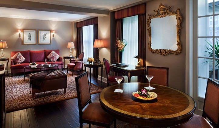 Rooms at Plaza Athenee New York