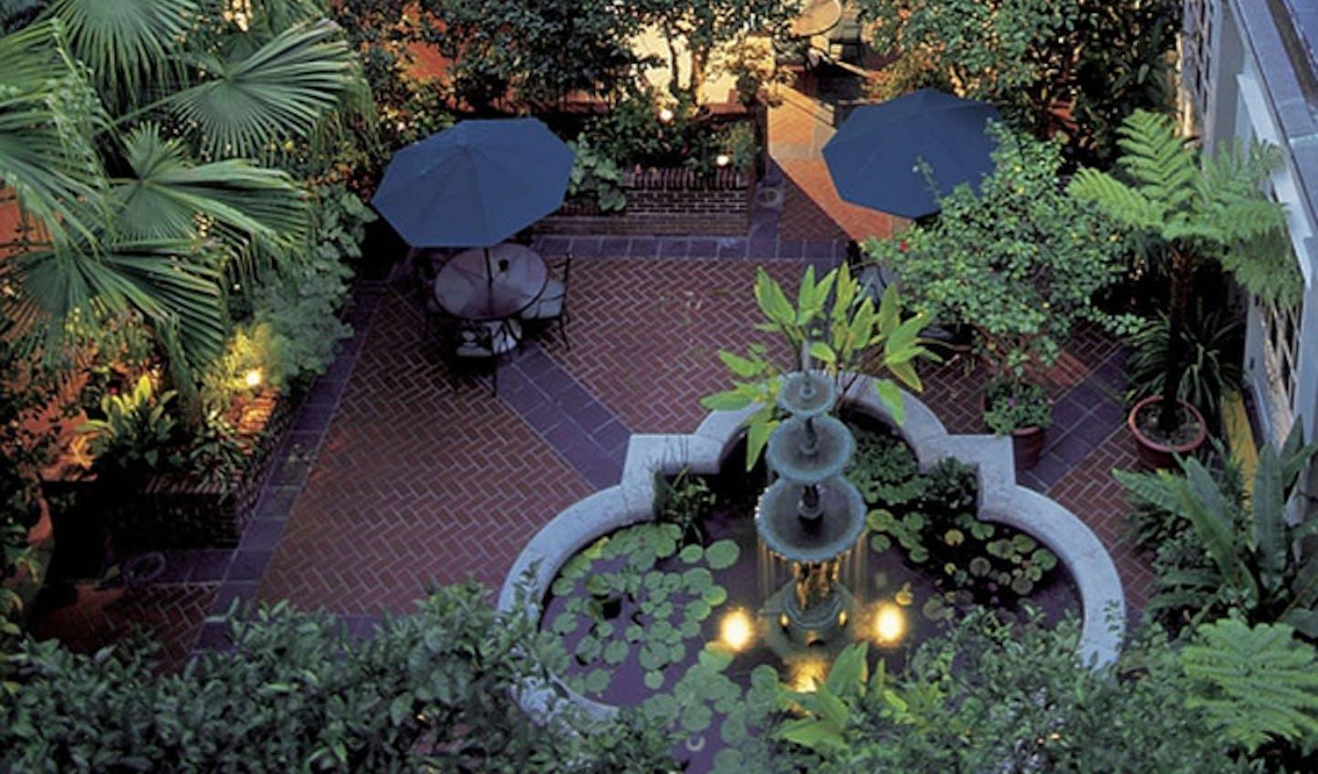Royal Sonesta Hotel courtyard