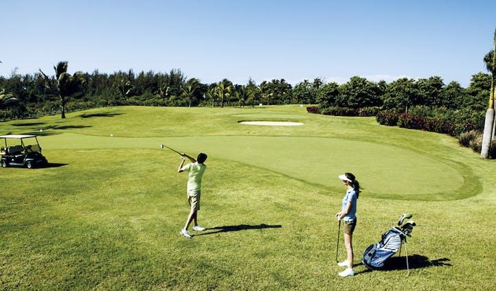 Golf course at Shanti Maurice
