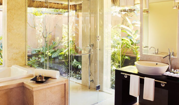 the bathroom at the shanti villa at the shanti maurice