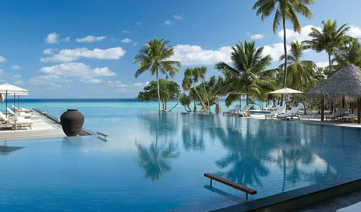 main pool at four seasons landaa giraavaru