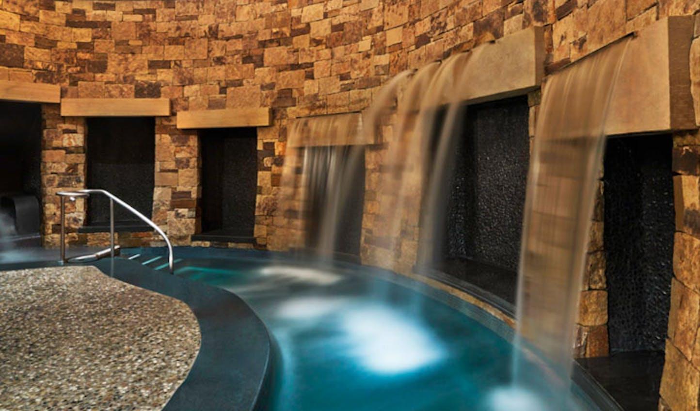 St Regis Pool | Luxury Holidays to Aspen | Black Tomato