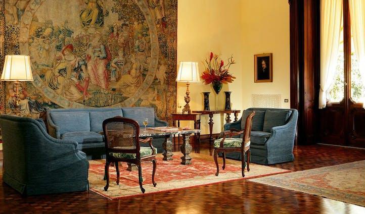 Sitting room in luxury hotel in Rome