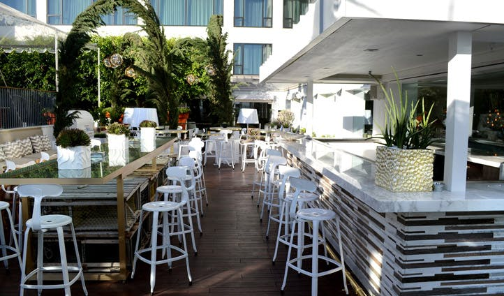 The outdoor bar at the Mondrian