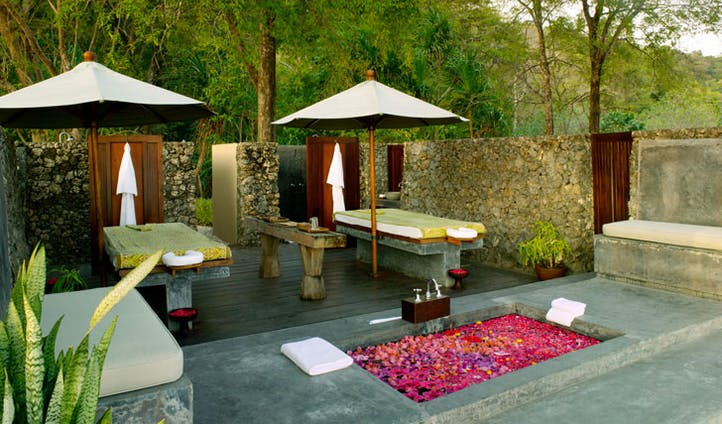 Luxury hotel Jungle Cove Spa at Amanwana on Mojo Island, Indonesia