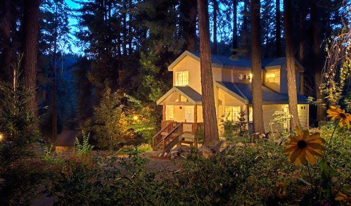 A cottage at Tenaya Lodge | Yosemite