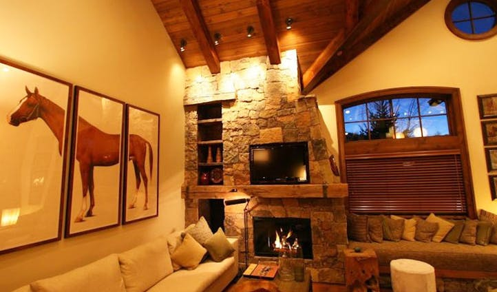 A cosy lounge at the Woodrun Place Resort, USA