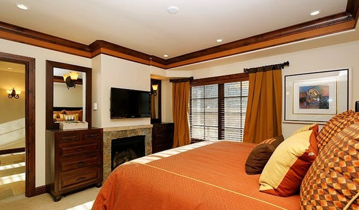 A bedroom at the Woodrun Place Resort, USA