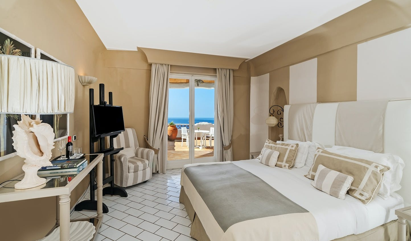 Luxury Hotels in Vulcano