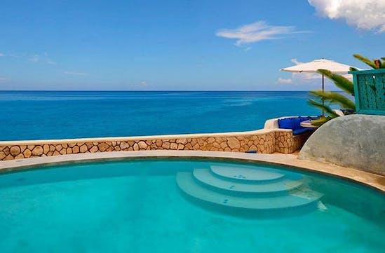 A beautiful pool in Jamaica
