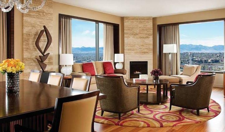 Lounge at Four Seasons, Denver