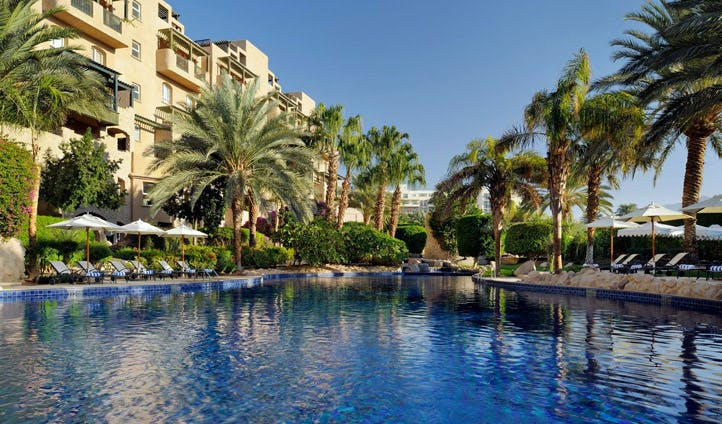 The pool at Movenpick Aqaba