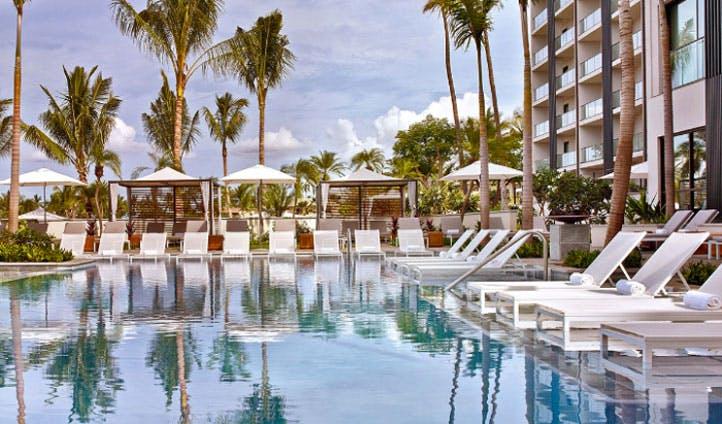 pool biew at luxury maui hotel