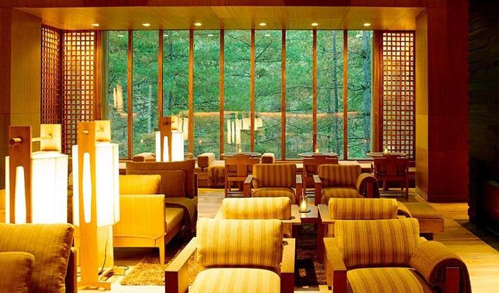 lobby lodge area
