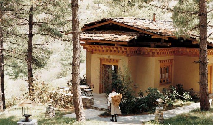 bhutan luxury lodge