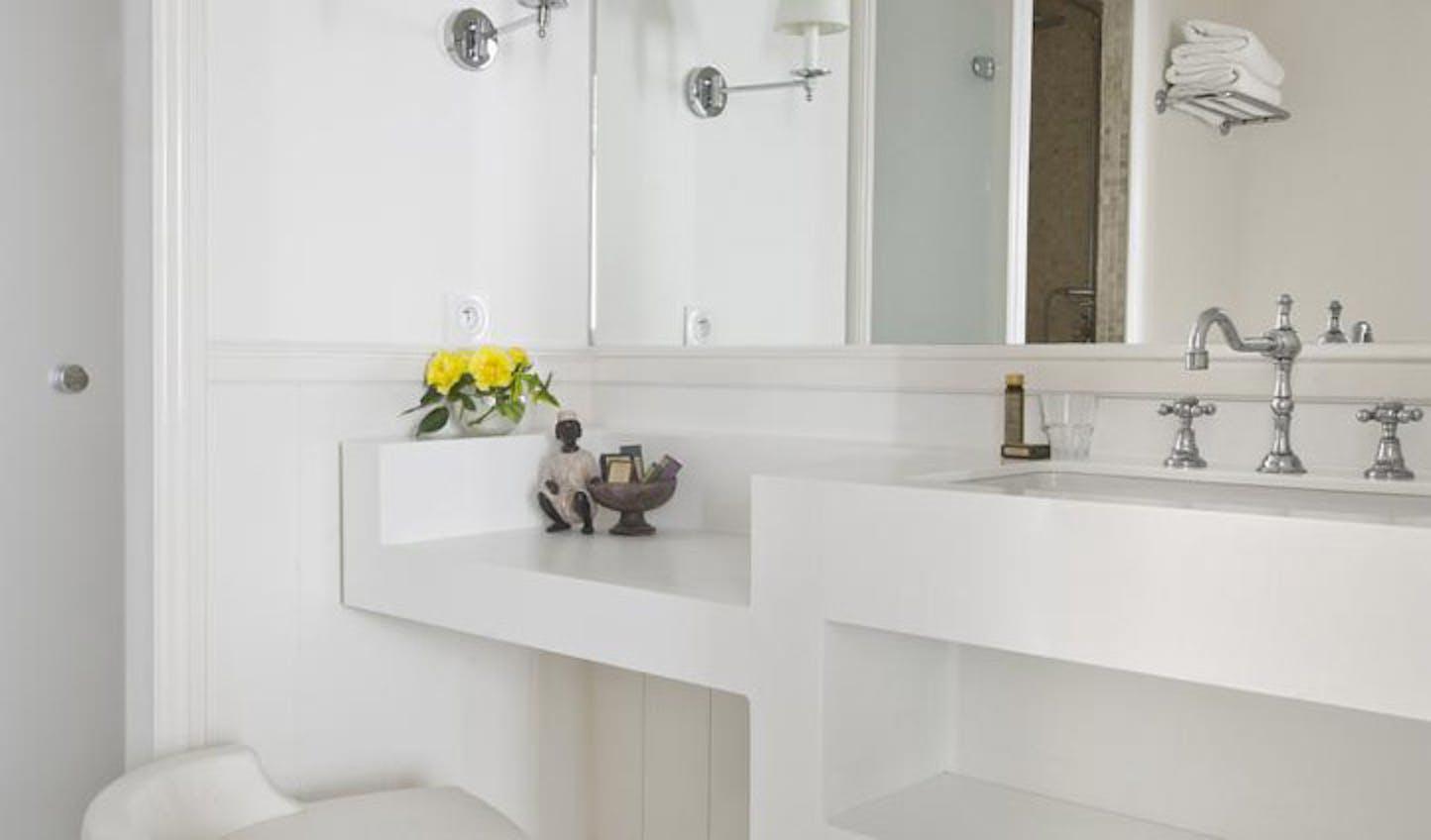 french villa bathroom