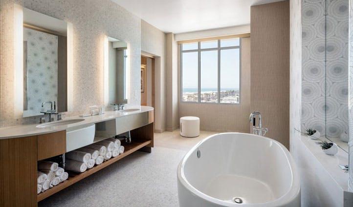 A bathroom at Pasea Hotel