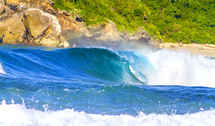 The waves at Nihiwatu