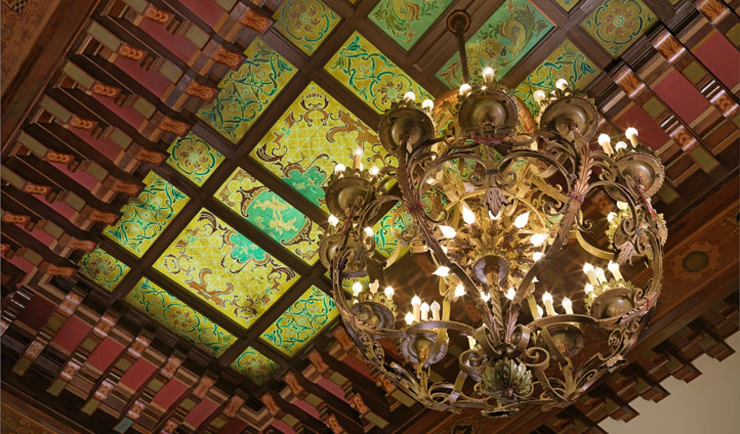 The Peabody Hotel's chandelier hands beautifully