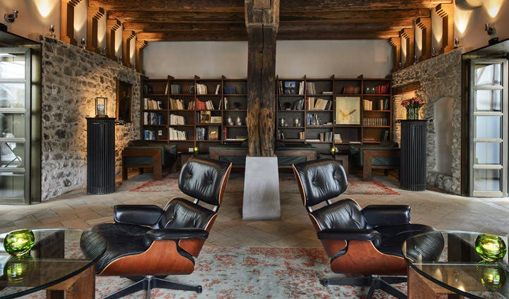 Widder Hotel library | Black Tomato