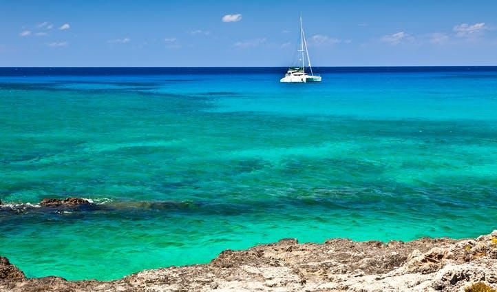 Yachting Cayman Islands