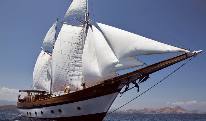 Yacht Sails Indonesia