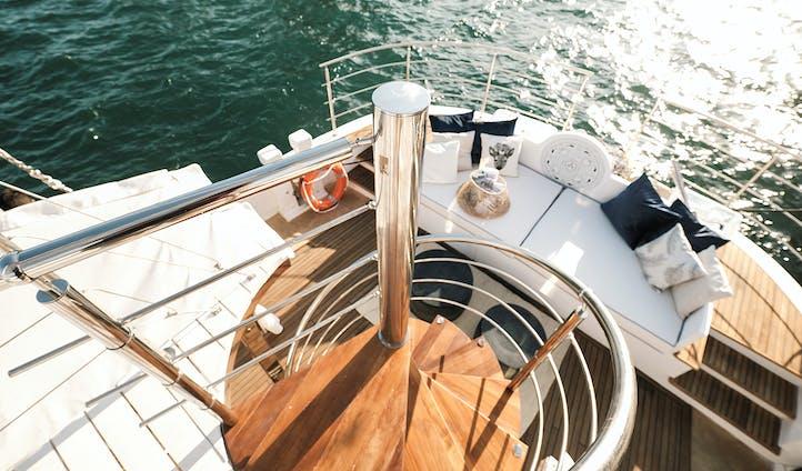 Alexa J | Luxury Hotels and Cruises in Greece
