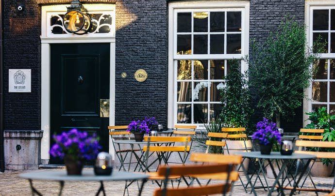 Stay in luxury in the Amsterdam city