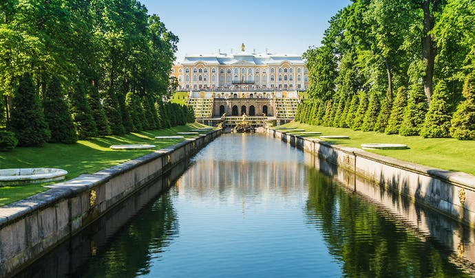 Private tours to Peterhof, Russia