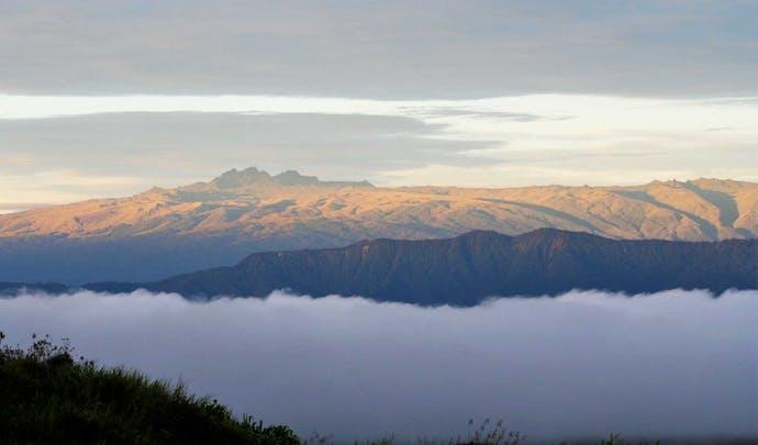 Stay on Papua New Guinea's ridge